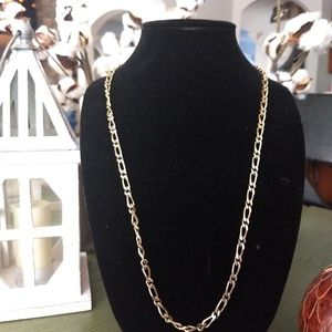 Gold accent chain link necklace